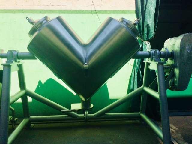 Misturador em V 900 lts